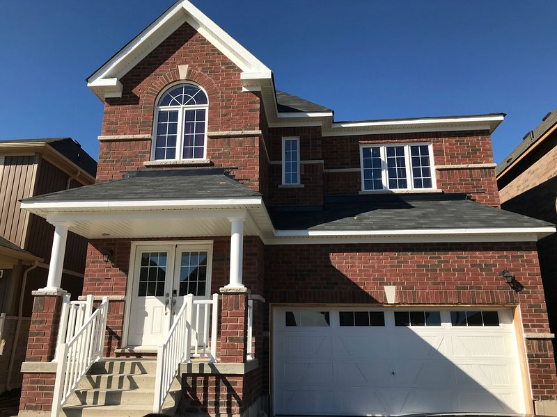 ★ ★ ★ ★ ★ BOWMANVILLE BREEZE HOME – semesterbostad i Whitby