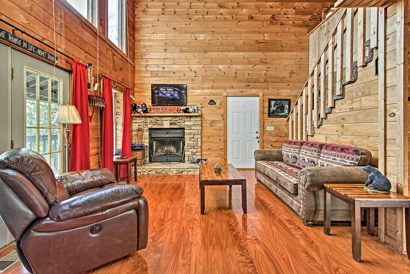 Family-friendly fun awaits at this mountainside Sevierville cabin!