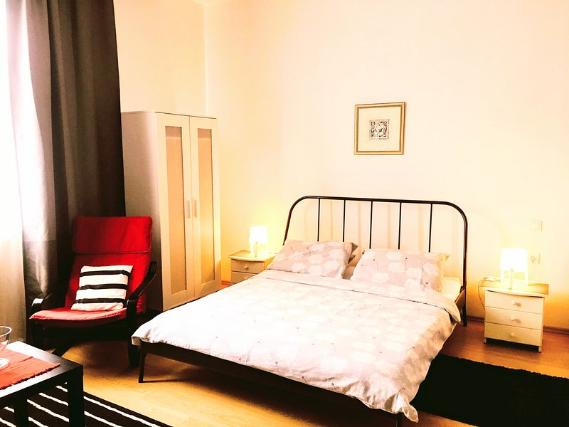 Urban Studio Apartment Adro In The City Center of Zagreb, With Parking, vacation rental in Zagreb