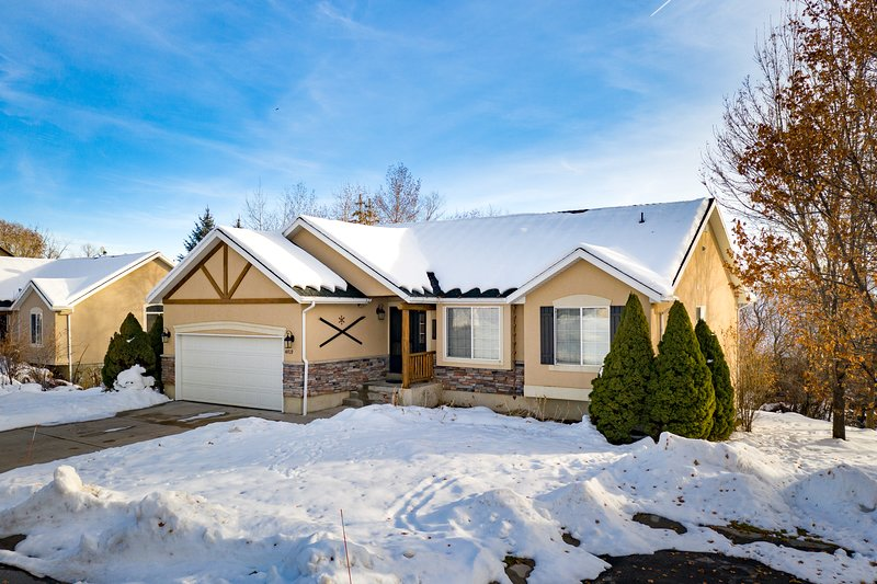 Private Wolf Creek Home near Powder Mountain & Snowbasin, holiday rental in Brigham City