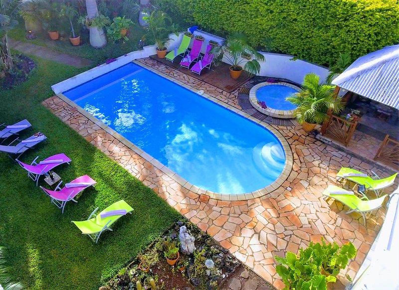 villa 4 étoiles, 4 clévacances, piscine, jacuzzi, proche plage : 15 minutes, location de vacances à Le Ouaki
