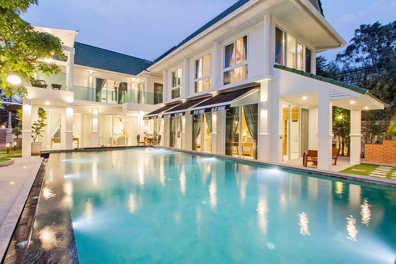 Hi At Home Villa 5, aluguéis de temporada em Nong Prue