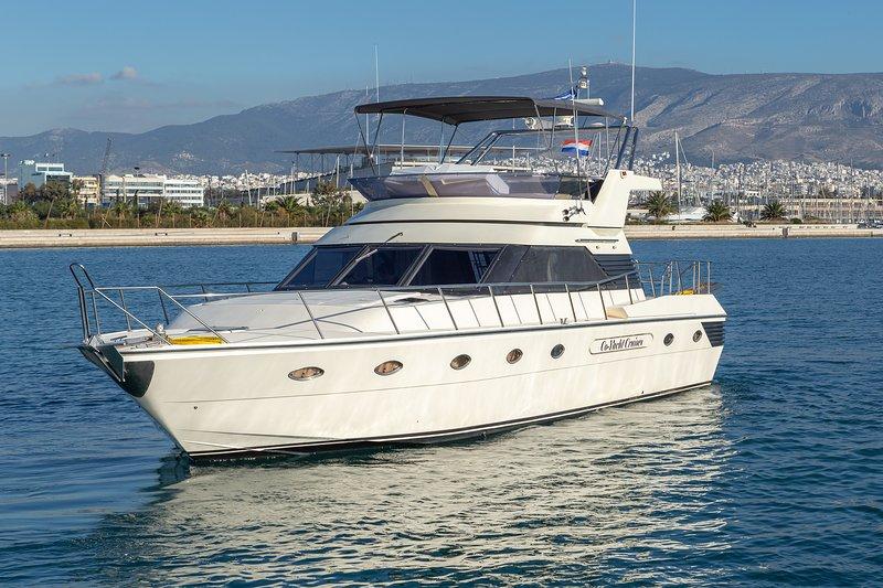 Motorboat rent Barberis 53 in Marina Delta Kallithea, Athens (2001, refit 2020), holiday rental in Kallithea