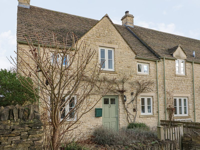 3 Painter's Field, Quenington, Near Cirencester, vacation rental in Fairford