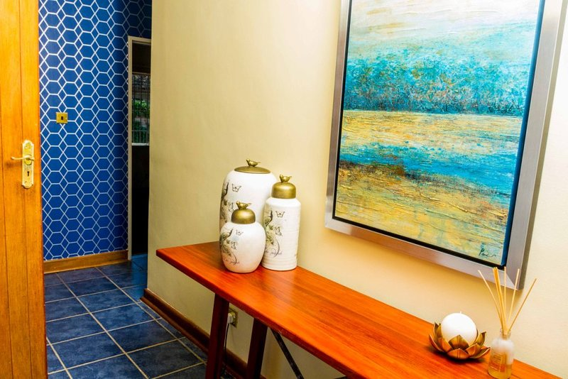 Pazuva Hillside -Luxurious Home Near Wildlife Park, holiday rental in Chitungwiza
