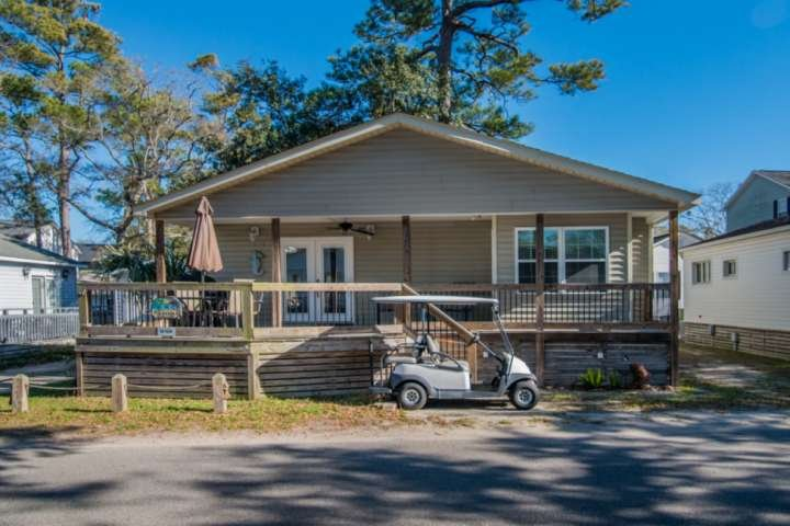 In the Heart of Ocean Lakes, Redecorated 2Br, Golf Cart Included, holiday rental in Myrtle Beach