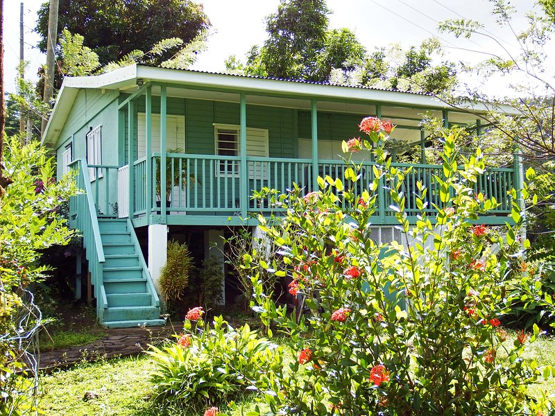 Great hide-away to relax and rejuvinate overlooking the Picard River., holiday rental in Portsmouth