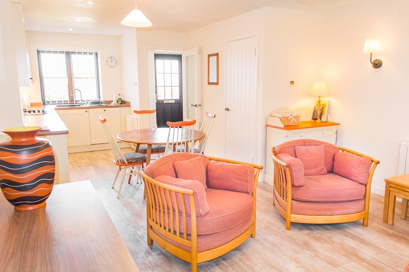 Tystie Cottage | Fantastic Home By The North Norfolk Coast, holiday rental in Wiveton