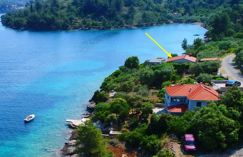 Holiday Apartment Marinka - Two Bedroom Apartment with Terrace and Sea View, holiday rental in Vela Luka