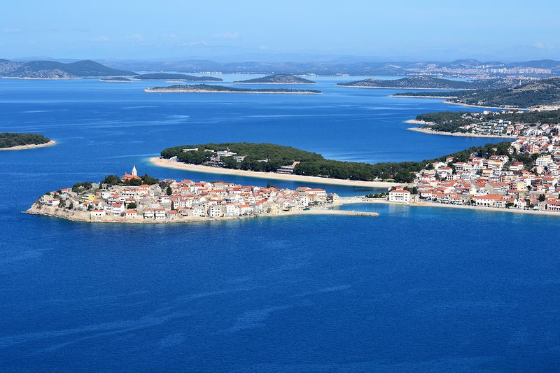 Moderne, großzügige  Ferienwohnungen  in Kroatien, Primošten, holiday rental in Primosten