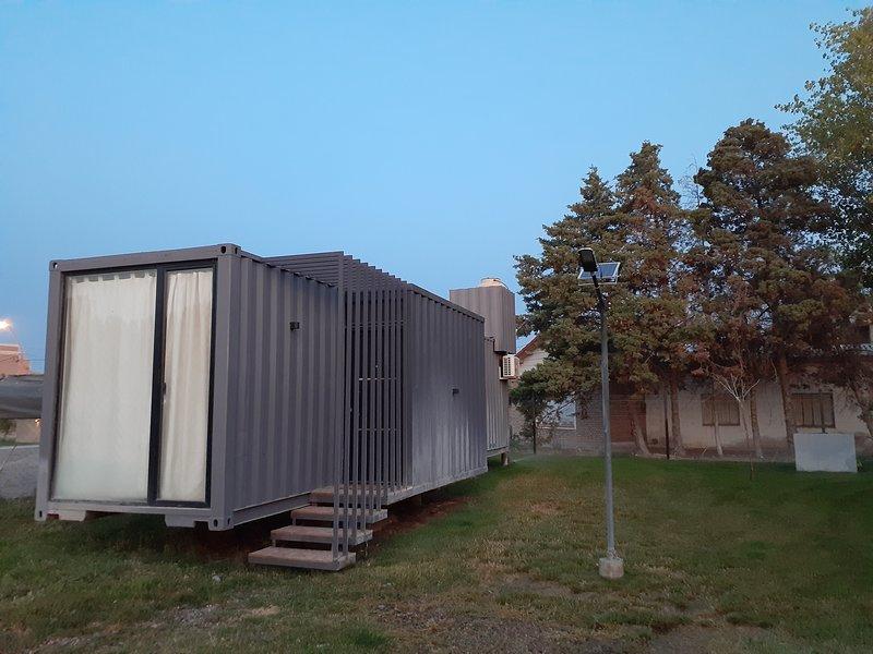 CASA CONTEINER. Departamento CUBIL 1, holiday rental in Allen