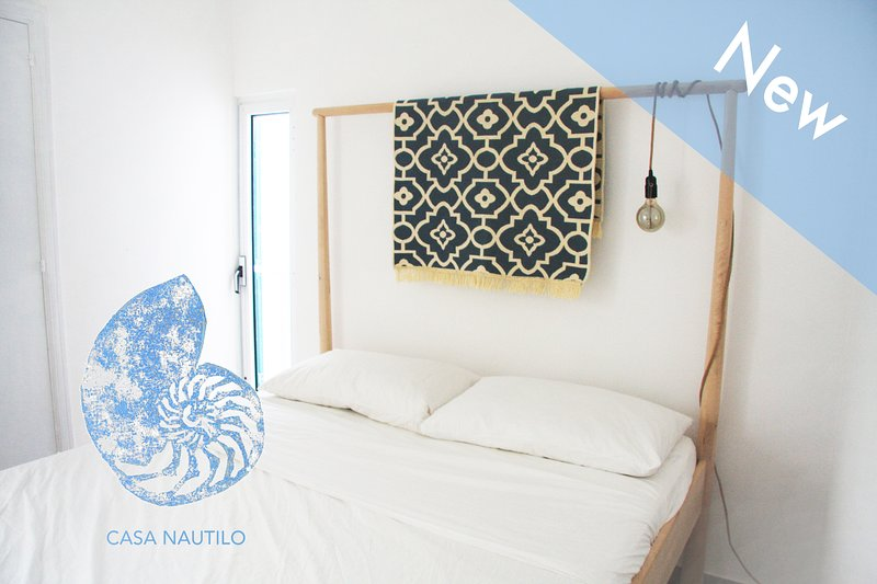 Welcome to  'CASA NAUTILO'. Nautilo is a small typical Puglia house in the center of Monopo.