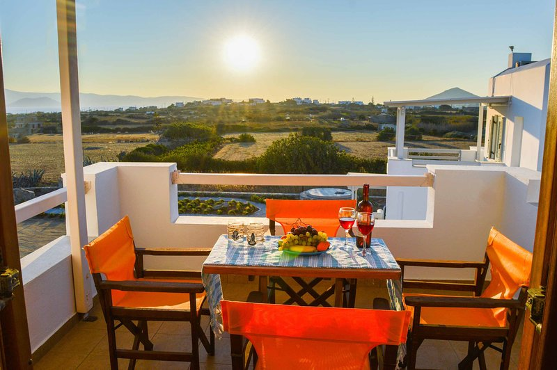 Villa Iokasti (the perfect choice for your vacation in Naxos), holiday rental in Plaka