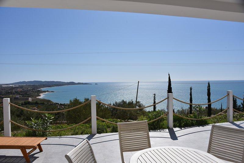 Ferienhaus mit fantastischem Meerblick, holiday rental in Marina di Palma