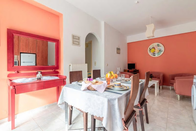 Stalis nice Family Apartment only 5 min to the beach, holiday rental in Stalis