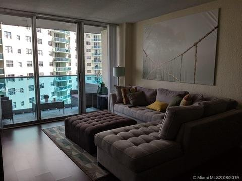 Hollywood Florida ocean view steps away from the beach 10$ parking valet per day, alquiler vacacional en Aventura