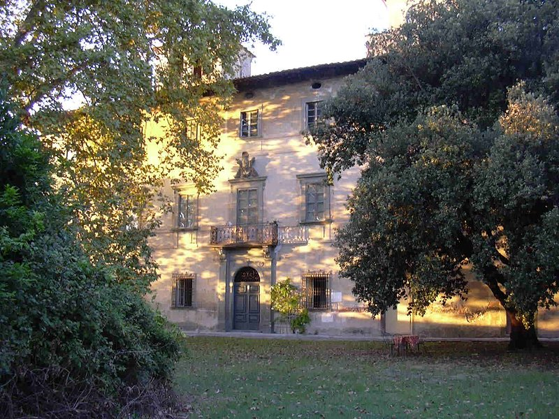 For Italian art lovers - Large self-catering apartment in a noble villa, location de vacances à Navacchio