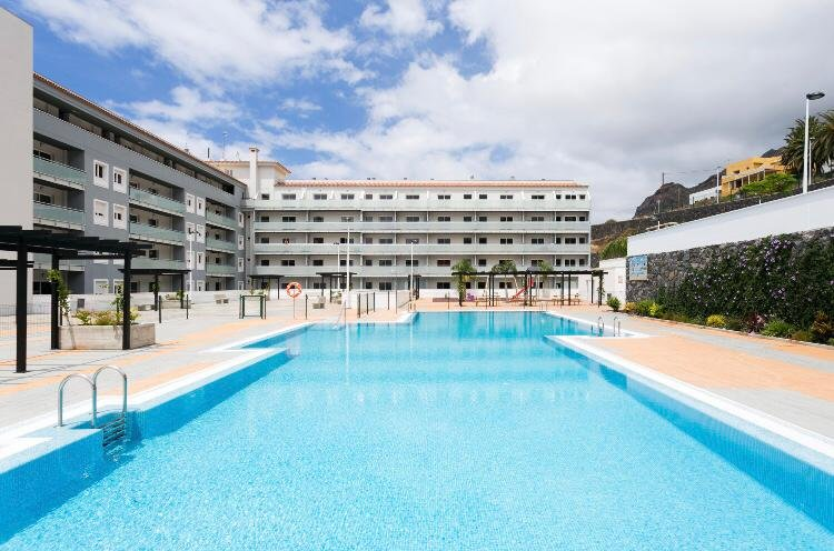 Lovely apartment-Pool and Free Parking in Bajamar, holiday rental in Tejina
