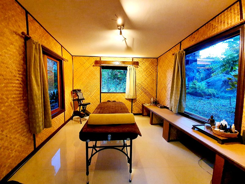 Utopai therapy room nearby. Thai/deep tissue massage therapist on call with adequate notice.