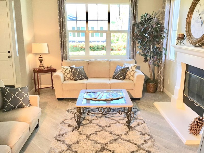 New Listing/Sleeps 11/Pet-Friendly/Epic Game Room, holiday rental in Ladera Ranch