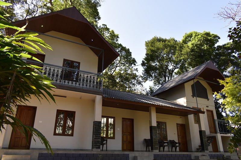 MUNNAR ESTATE BUNGALOW-3BHK, holiday rental in Munnar