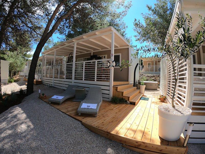 Superior mobile home BLUE CLASS B2, alquiler de vacaciones en Jezera