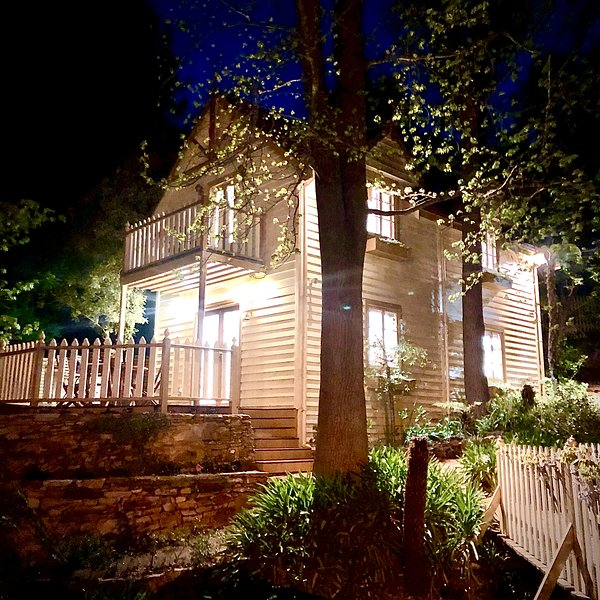 Aldgate Creek Cottage Bed and Breakfast, location de vacances à Hahndorf
