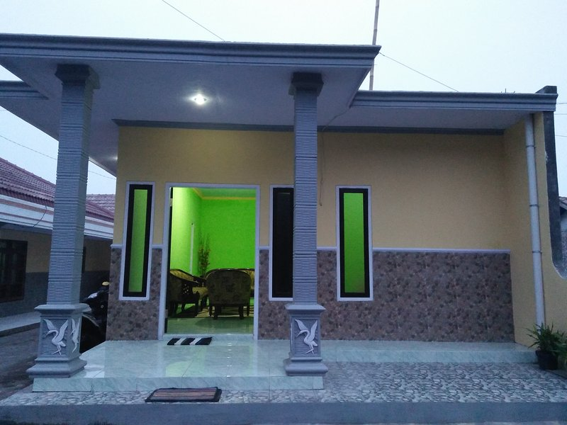 Homestay Anggun 2 Gunung Bromo, vacation rental in Tosari