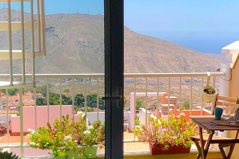 Apartment in Mirador Atlántico Complex, holiday rental in Chayofa