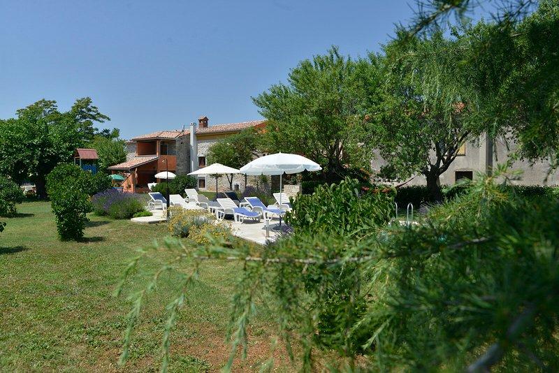 House 21, location de vacances à Peroj