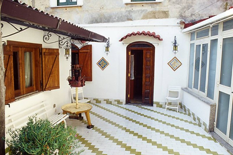 Nice house near the beach & terrace, vacation rental in Maiori