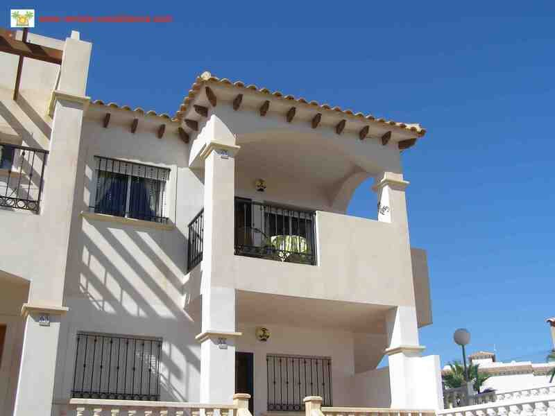 Well Presented 2 Bed 2 Bath Top Floor Apartment DC038, holiday rental in Punta Prima