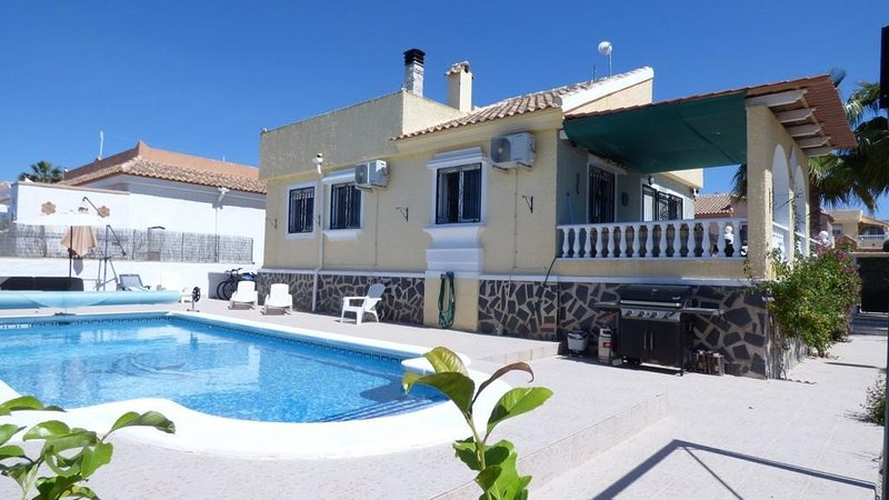 CO5 Camposol, 2 bed, 2 bath villa with large private pool, vacation rental in La Pinilla