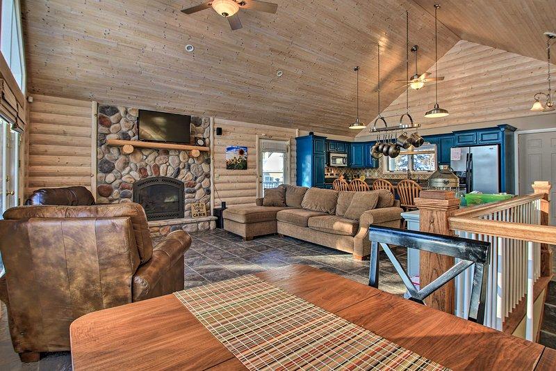 Brainerd Cabin on Camp Lake w/ Boat Slip & Dock!, holiday rental in Vineland