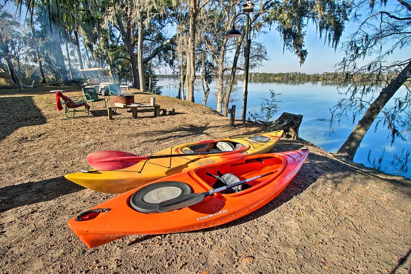 Airy Lake Pamona Paradise: Fish, Swim, Kayak!, aluguéis de temporada em Midway