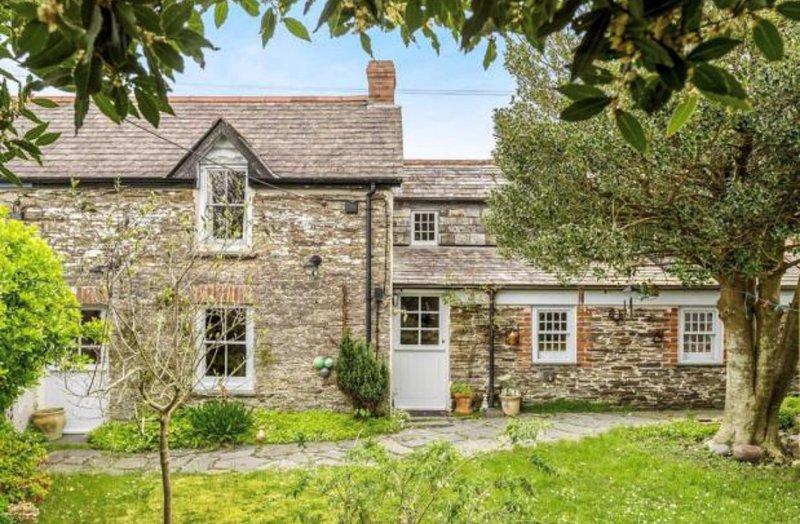 Charming Cornish Cottage near Padstow - Sleeps 4, Ferienwohnung in Porthcothan