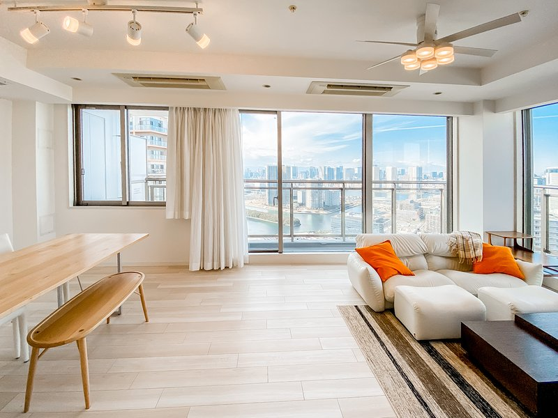 Bayside Luxury | 3BD Flat w/Gym | 112 m² | Olympics✦Ginza✦Shibuya✦Odaiba✦Disney, aluguéis de temporada em Koto