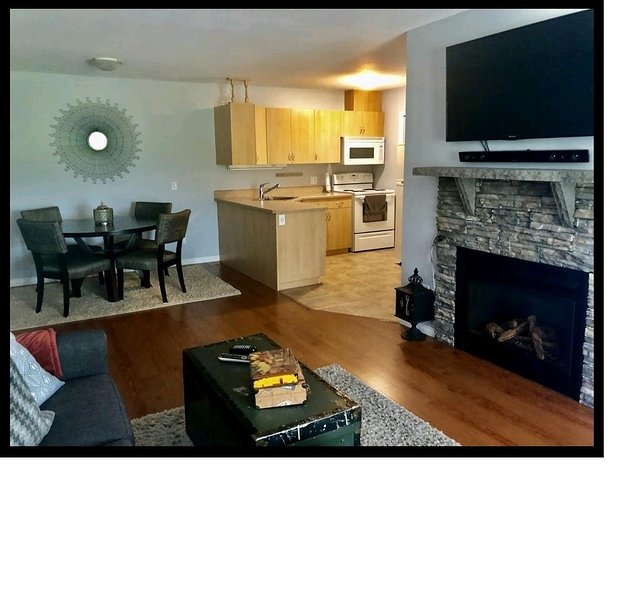 A Home Away - Feel like you never left the comfort of your own home!, vacation rental in Regina