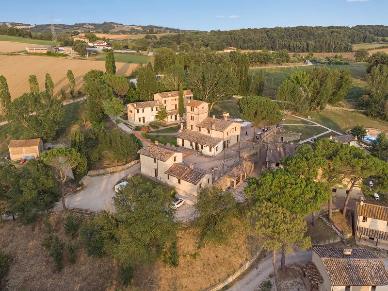 Agriturismo Borgo Pulciano, holiday rental in Santa Maria di Sette