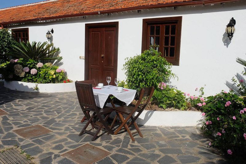 Nice apartment with terrace & Wifi, holiday rental in El Tanque