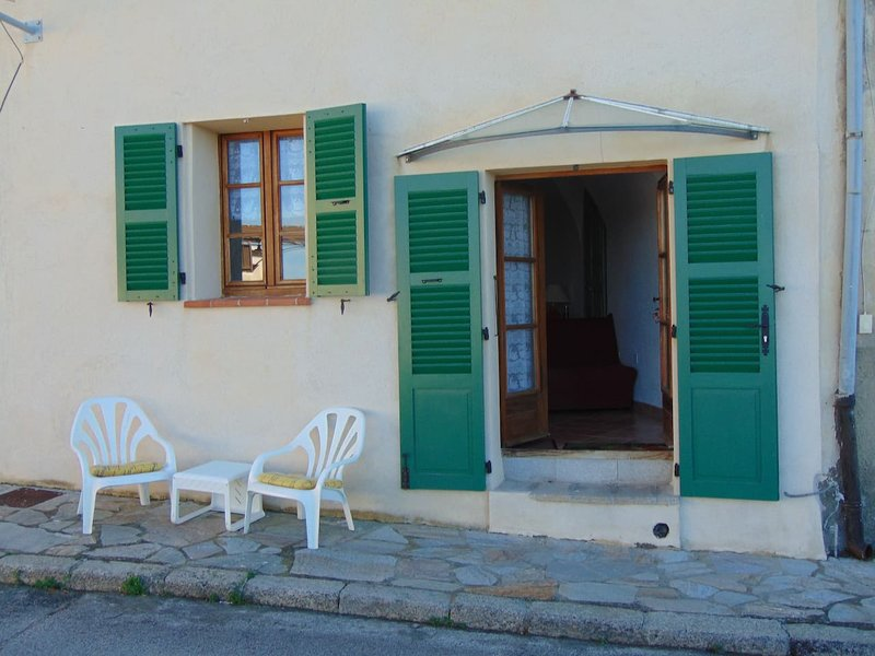 Beautiful studio in Belgodère, casa vacanza a Belgodere