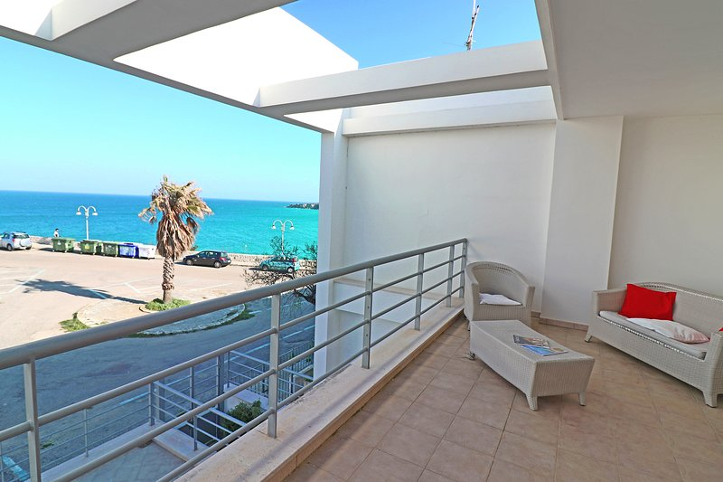 Casa Vacanza Azzurra Torre Dellorso 6 posti, vacation rental in Melendugno