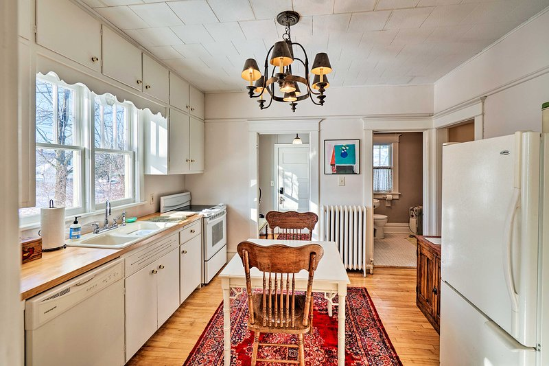 Restored 1930's Bungalow w/ Fire Pit, In Town!, vacation rental in Algoma