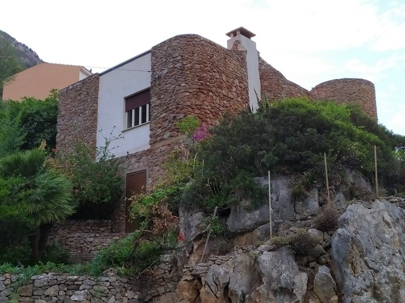 Exclusive villa in a popular location on west coast of Sardinia (Buggerru), holiday rental in Fluminimaggiore