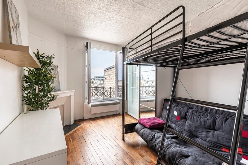 Lovely 2 rooms near Paris - Mobility Lease, vacation rental in Levallois-Perret