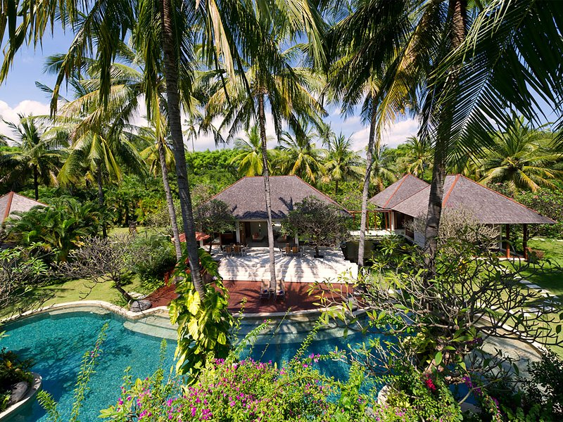 The Anandita, 4BR, Tanjung, holiday rental in Tanjung