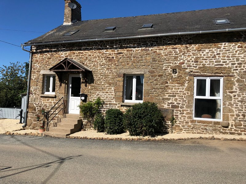 La Cachette 3 bedroom Country holiday home, holiday rental in Herce