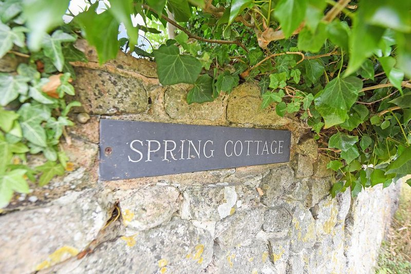 Spring Cottage, holiday rental in Fittleworth