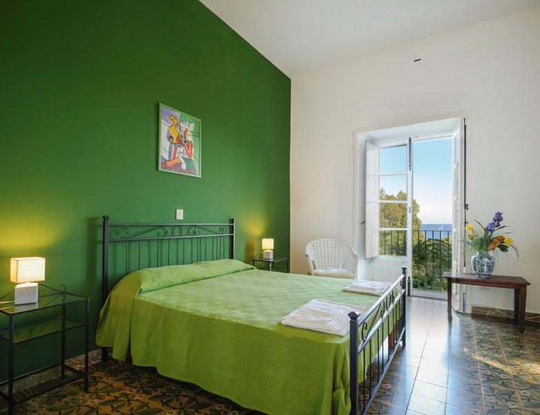 Sea at your doorstep! Apartment Cecio, holiday rental in San Giorgio