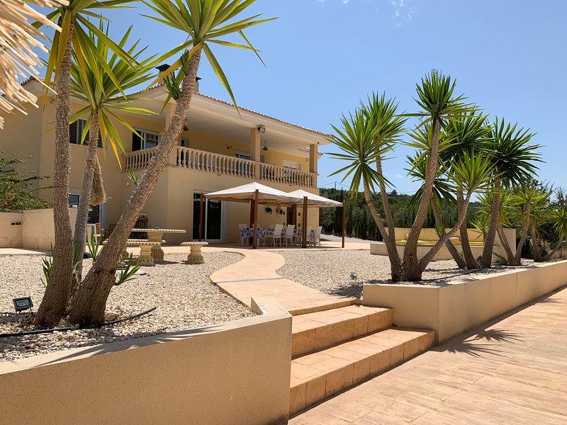 Elisaye Villa and Horse Riding, vacation rental in Benidoleig